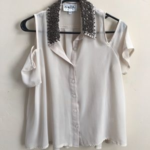 Blouse with beaded collar